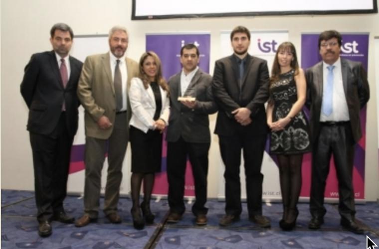 """ICV es galardonada con el """"Premio a la Excelencia"""" Año 2014, del Instituto de Seguridad del Trabajo, XII Región."""
